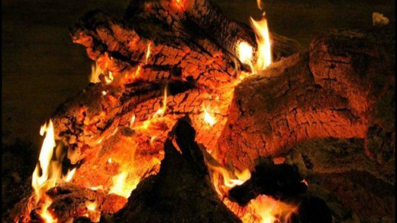 Cilento, le fòcare illuminano la notte di Natale