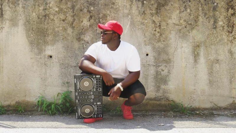"""DALLA NIGERIA AL CILENTO nasce un nuovo programma radiofonico condotto dal richiedente asilo Daniel Agho Otoghile """"AFRO BEAT VIBE"""""""