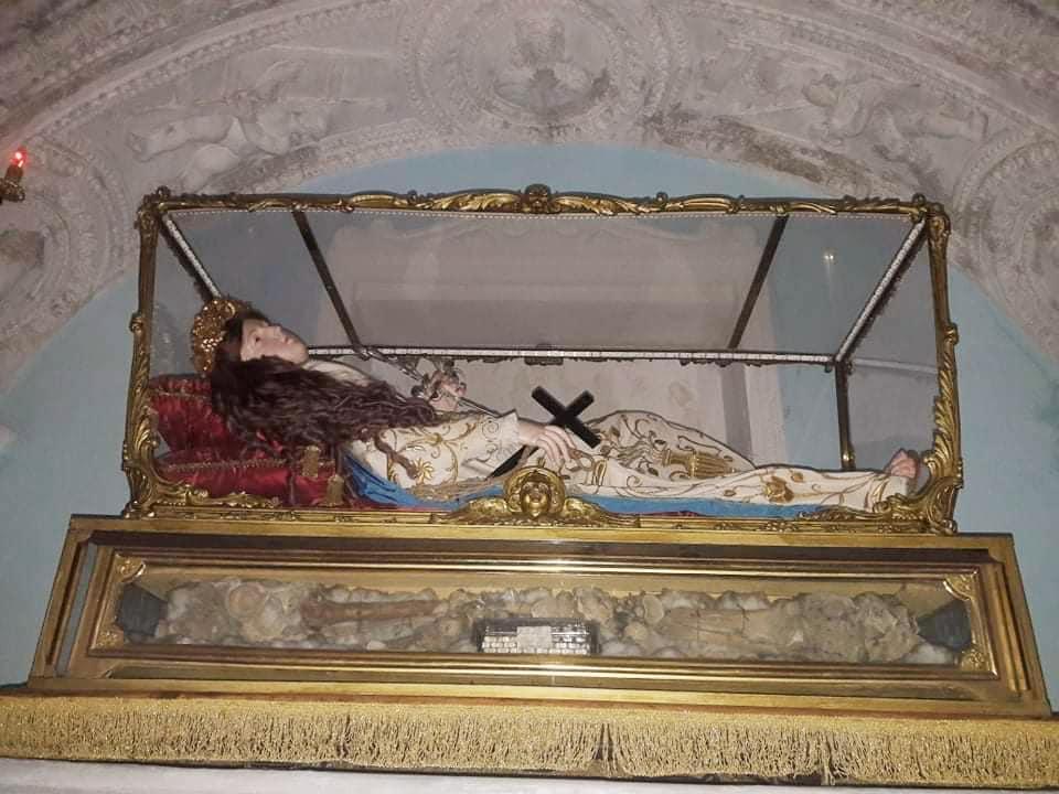 Laurino, una statua di Sant'Elena