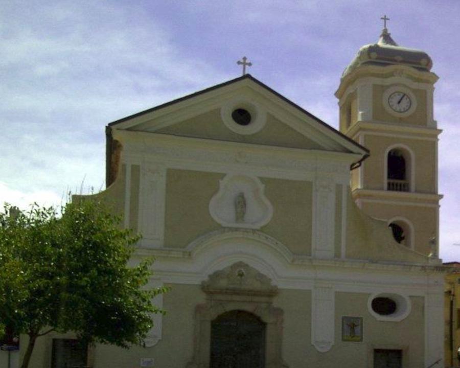 Valle dell'Angelo, Chiesa di San Barbato